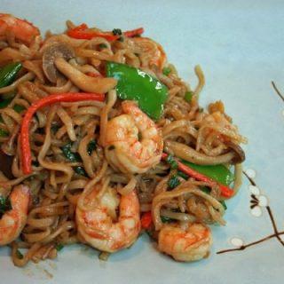 Test Kitchen Tuesdays: Seafood Lo Mein
