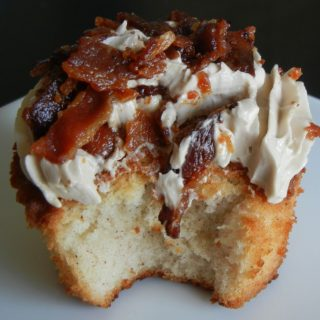 French Toast and Bacon Cupcakes [via Mama B]: Feature Fridays