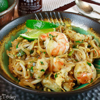 Quick & Easy Pad Thai with Shrimp Recipe