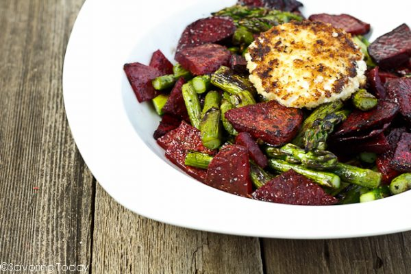 A delicious duo of beets and asparagus crowned with fried goat cheese.