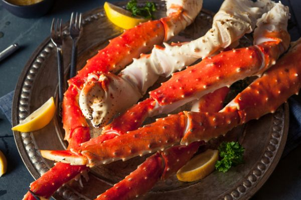 how to eat cooked king crab legs