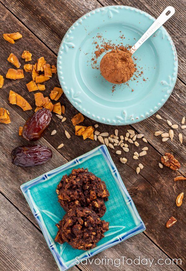 Mocha Breakfast Cookies on a blue plate.